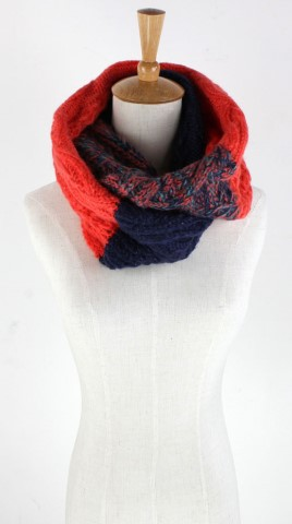 GK1946  Knitted Scarf