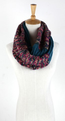 GK1947  Knitted Scarf