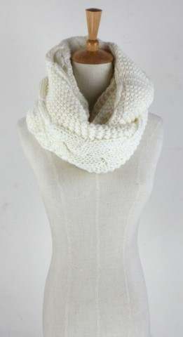 GK1951  Knitted Scarf