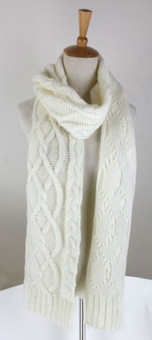 GK1962  Knitted Scarf