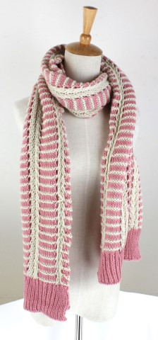 GK1963  Knitted Scarf